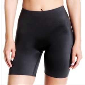 SPANX Slimplicity Mid Thigh Shaping Shorts